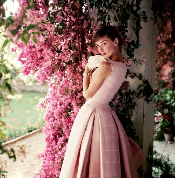 Abiti anni  50 per la moda primavera estate 2016. 4 aprile 2016 259cf408663