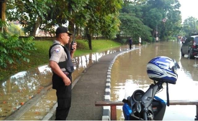 Sungai Cisadane Meluap, Jalan MH Thamrin Dan Sudirman Macet Parah
