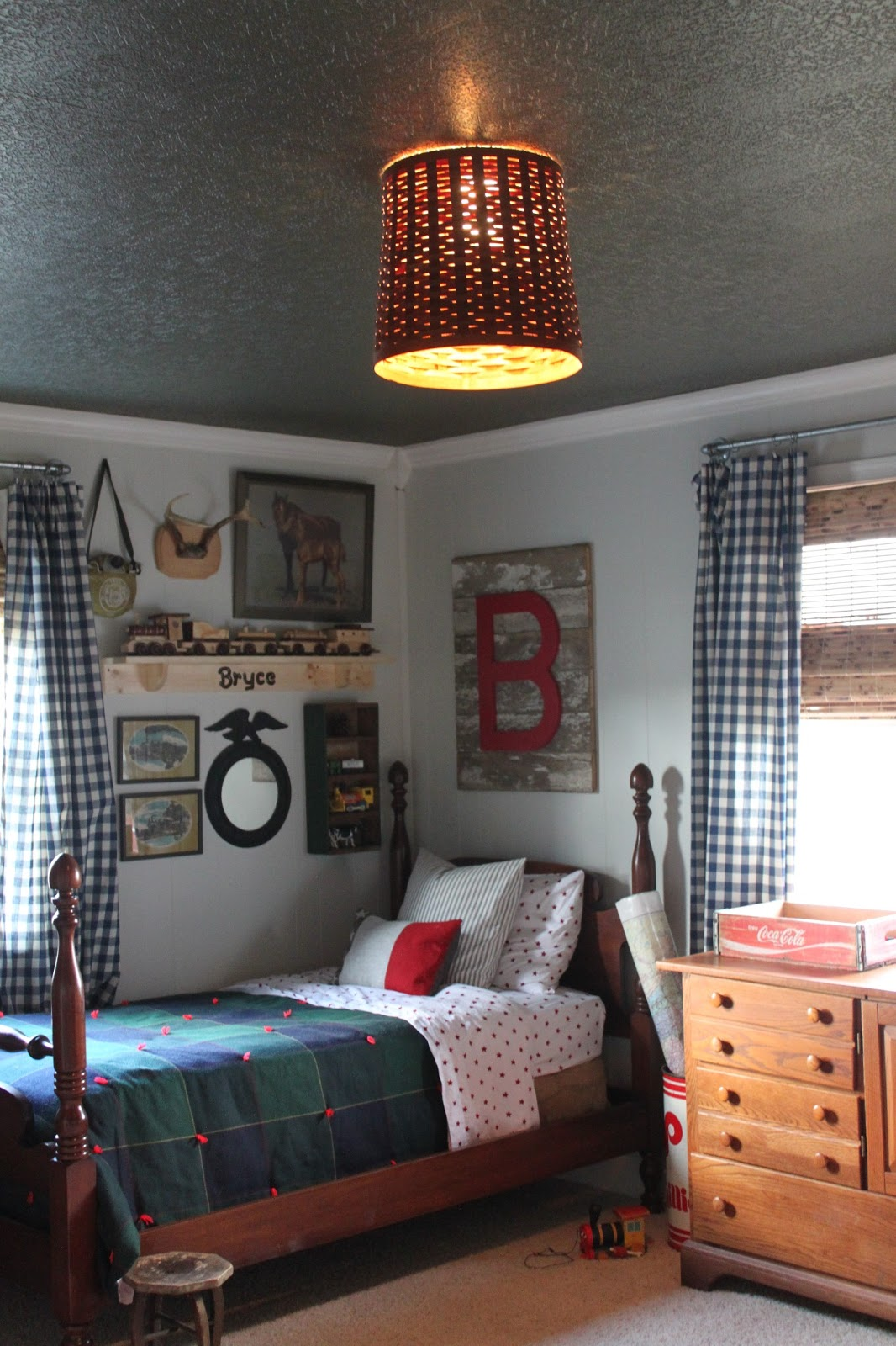 Boys Room: Maple Leaves & Sycamore Trees: The Boys' Room