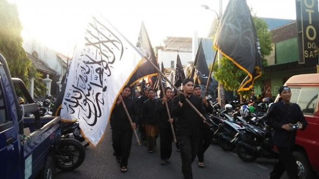 Bendera Tauhid Dibakar, FUI Jogja Berharap Jokowi Tobat Nasuha