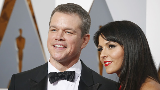 Encuentran a 'Matt Damon' en una foto de una boda de 1961