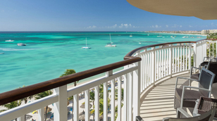 Fun-Honeymoon-Ideas-hyatt-regency-in-aruba-beach