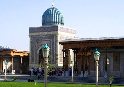 makam imam al bukhori di samarkand uzbekistan setelah dipugar setelah dikunjungi Soekarno