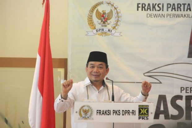 Foto: Ketua Fraksi PKS Jazuli Juwaini menegaskan tetap menolak Perppu Ormas