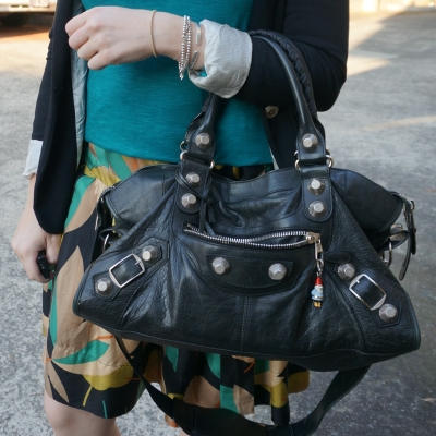 printed skirt with Balenciaga giant g21 silver hardware 2010 black part time bag on arm | Away From The Blue