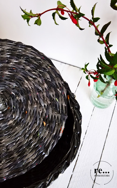 Basket, black, newspaper basket, wicker paper, paper, recycle, upcycle,hand made, papierowa wiklina, koczyk, rękodzieło
