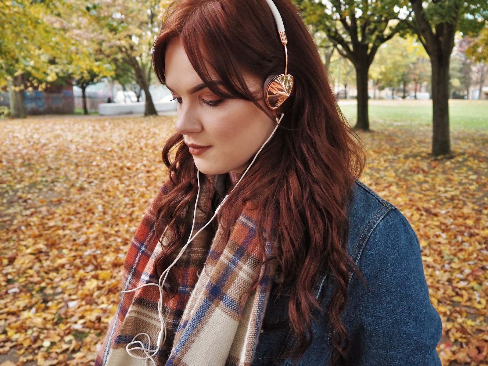 FRENDS layla rose gold headphones review