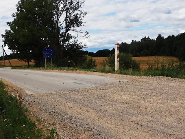 Na Łotwie jest chyba najwięcej szutrowych dróg w krajach bałtyckich (sierpień 2016)