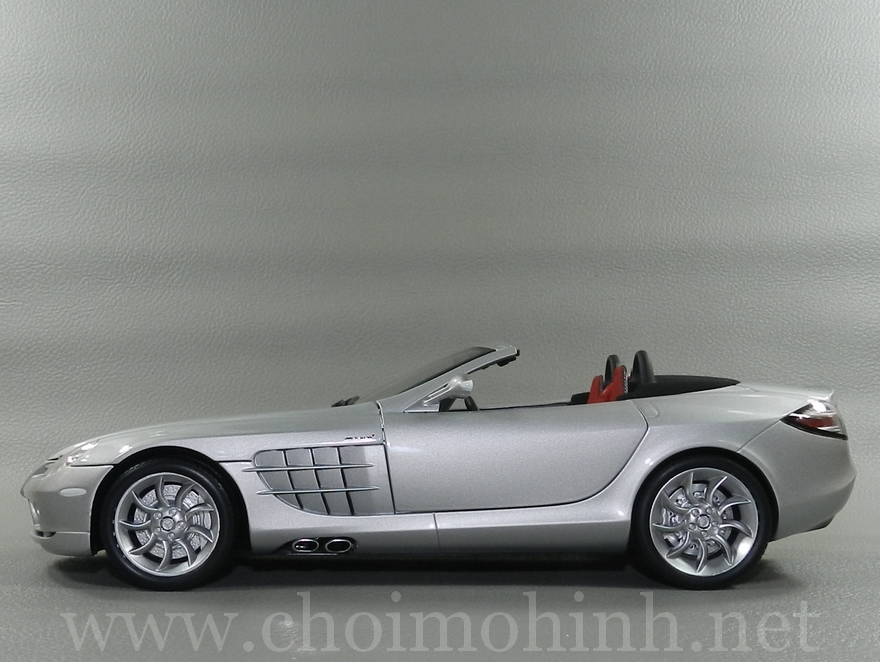 Mercedes-Benz SLR McLaren Roadster 2007 1:18 Minichamps side