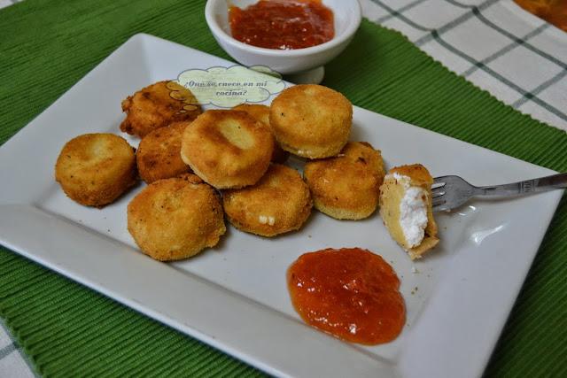 Queso de cabra frito con mermelada de nísperos