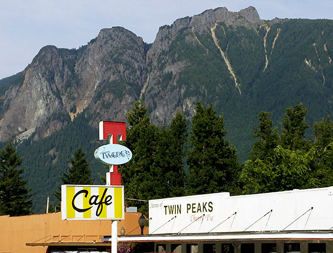 Twin Peaks Mural on Twede's Cafe North Bend, Washington