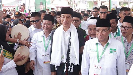 Di Depan Ulama, Jokowi Bantah Isu Kawin Sejenis dan Azan