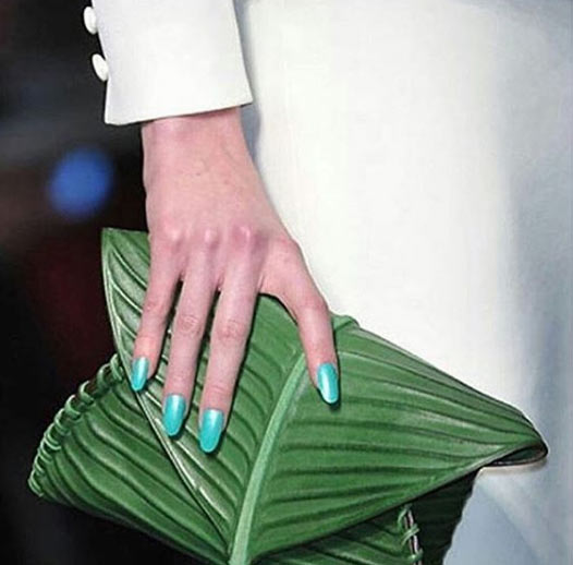 Female dearies, will you rock this moi-moi-themed Hermes bag