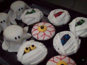 Halloween gâteau fondant fantôme momie