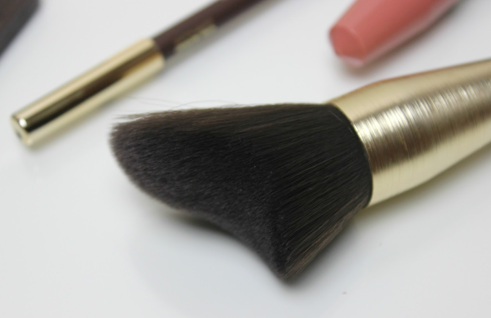A picture of KIKO Modern Tribe Face Brush