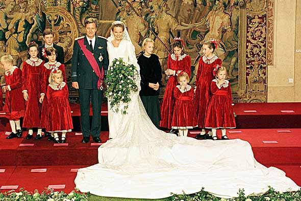 Cool FunPedia: Top 10 Biggest & Most Lavish Royal Weddings