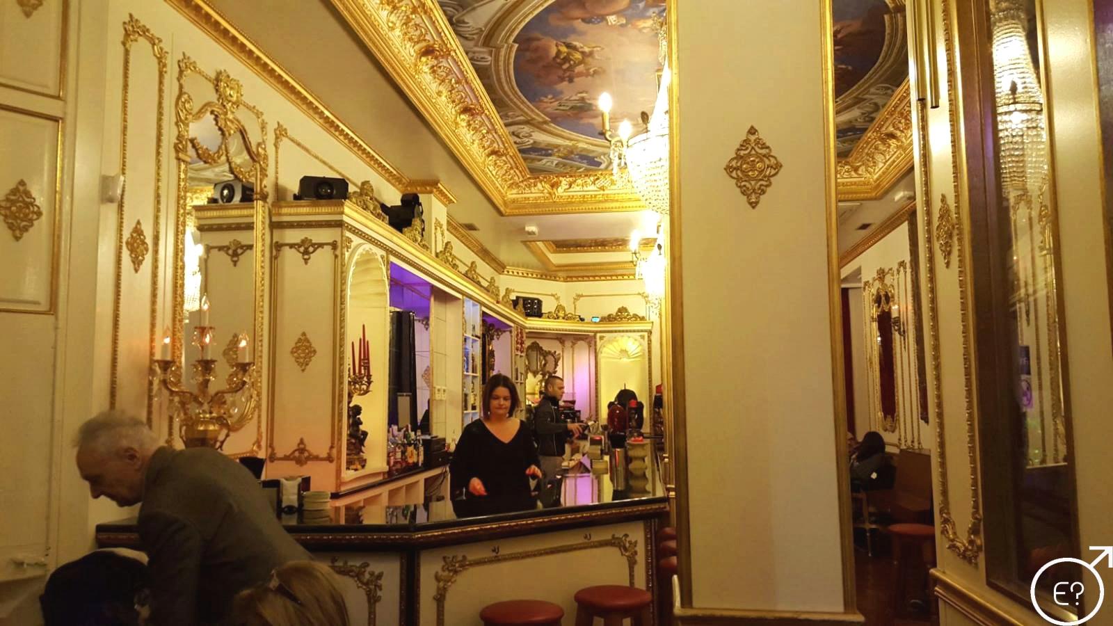 rencontre bi gay resort and spa a Versailles
