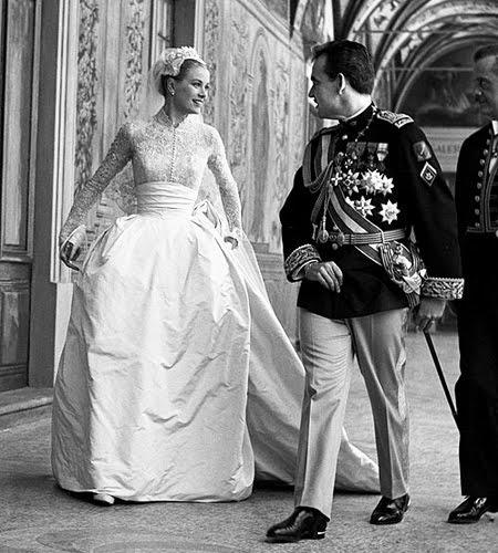 Роклята на Грейс Кели най-красивата булчинска рокля на всички времена