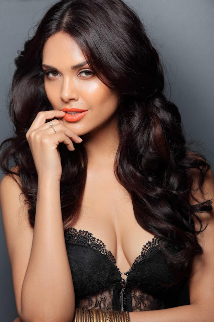 Esha Gupta - Hottest Bollywood Women