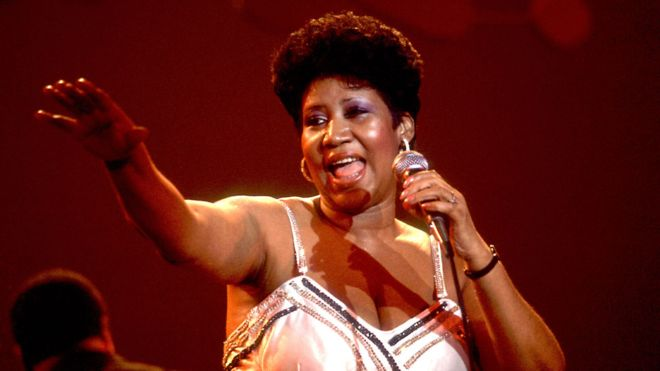 Singer Aretha Franklin dies