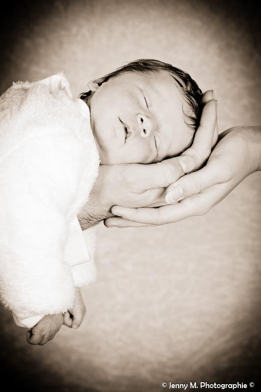 portrait bébé en sépia séance photos studio