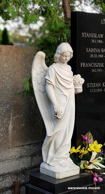 Warszawa Warsaw Bielany cmentarze warszawskie groby nagrobki anioł