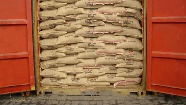 Brasil exporta 2,3 milhões de sacas de café em fevereiro