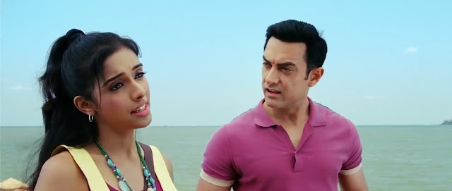 Aamir Khan jako Sanjay i Asin jako Kaplana