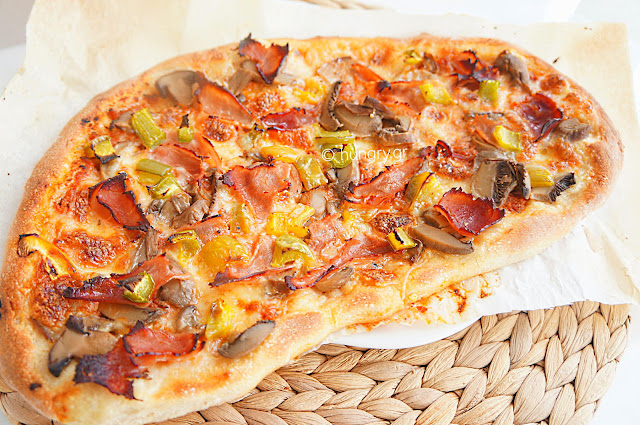 Πίτσα Αφράτη με Λεπτή Κρούστα