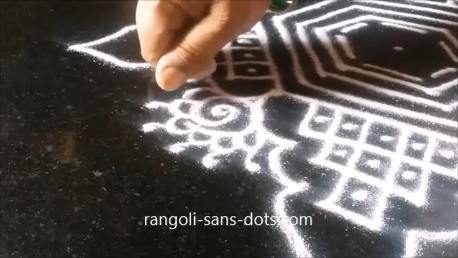 kolam-with-straaight-lines-1aj.png