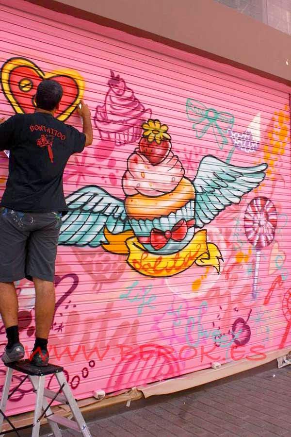 Pintando murales en Vilanova