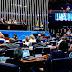 Senado aprova parecer de relator e Dilma se torna ré no processo de impeachment