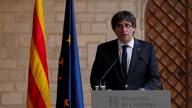"""Carles Puigdemont dice que seguirá trabajando """"para construir un país libre"""""""