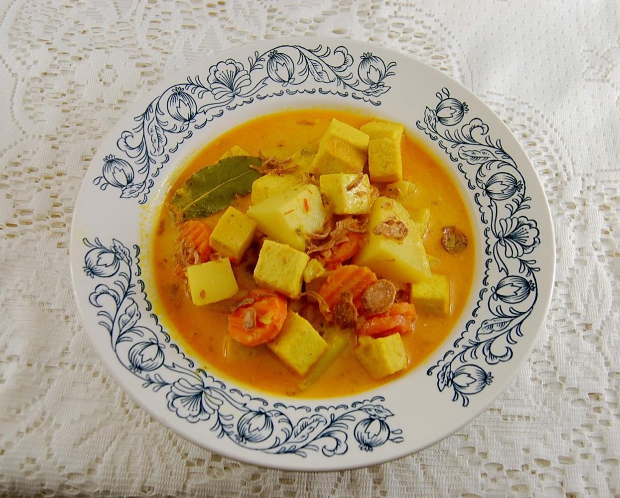 Kartoffel und Tofu mit Sambal Oelek Sauce
