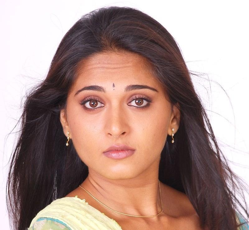 Actress Anushka Shetty Beautiful Sad Looking Mass Face Closeup
