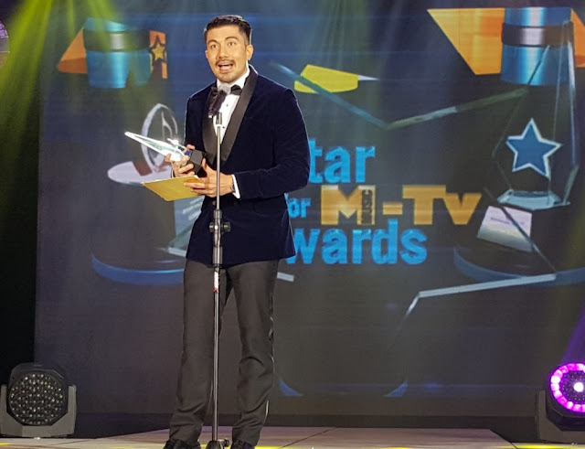 Abs cbn was honored as best tv station at pmpc star awards for tv 2016