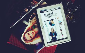 Wallpaper: Tablet, Fashion, Website