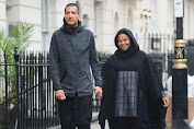 Pregnant, Janet Jackson is now wearing hijab