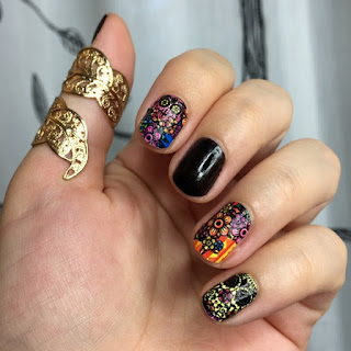 Create-halloween-nail-designs-and-nail-polish-tips-8