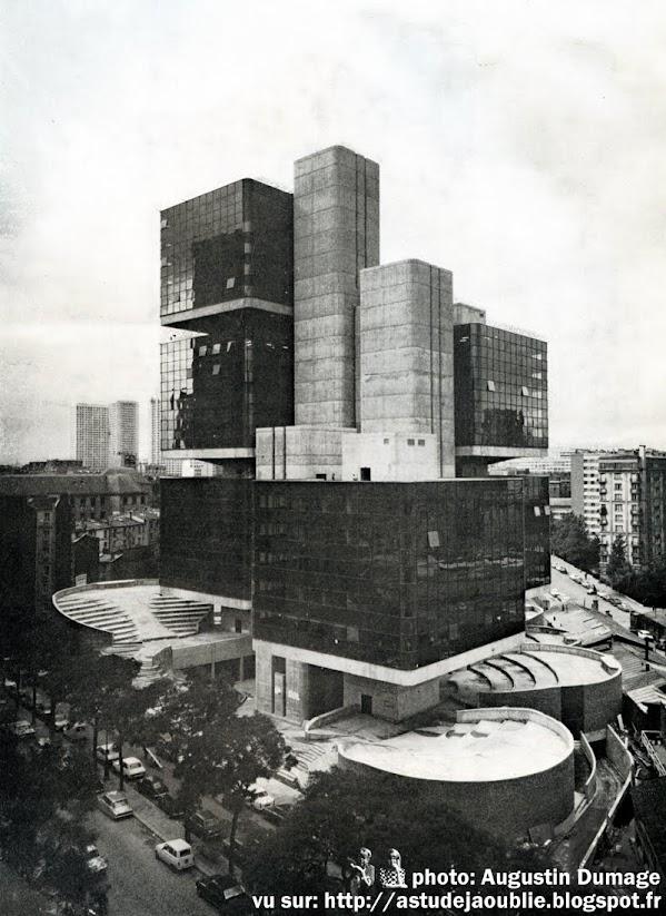 Architectes: Michel Andrault, Pierre Parat, Nathan Celnik, Aydin Guvan