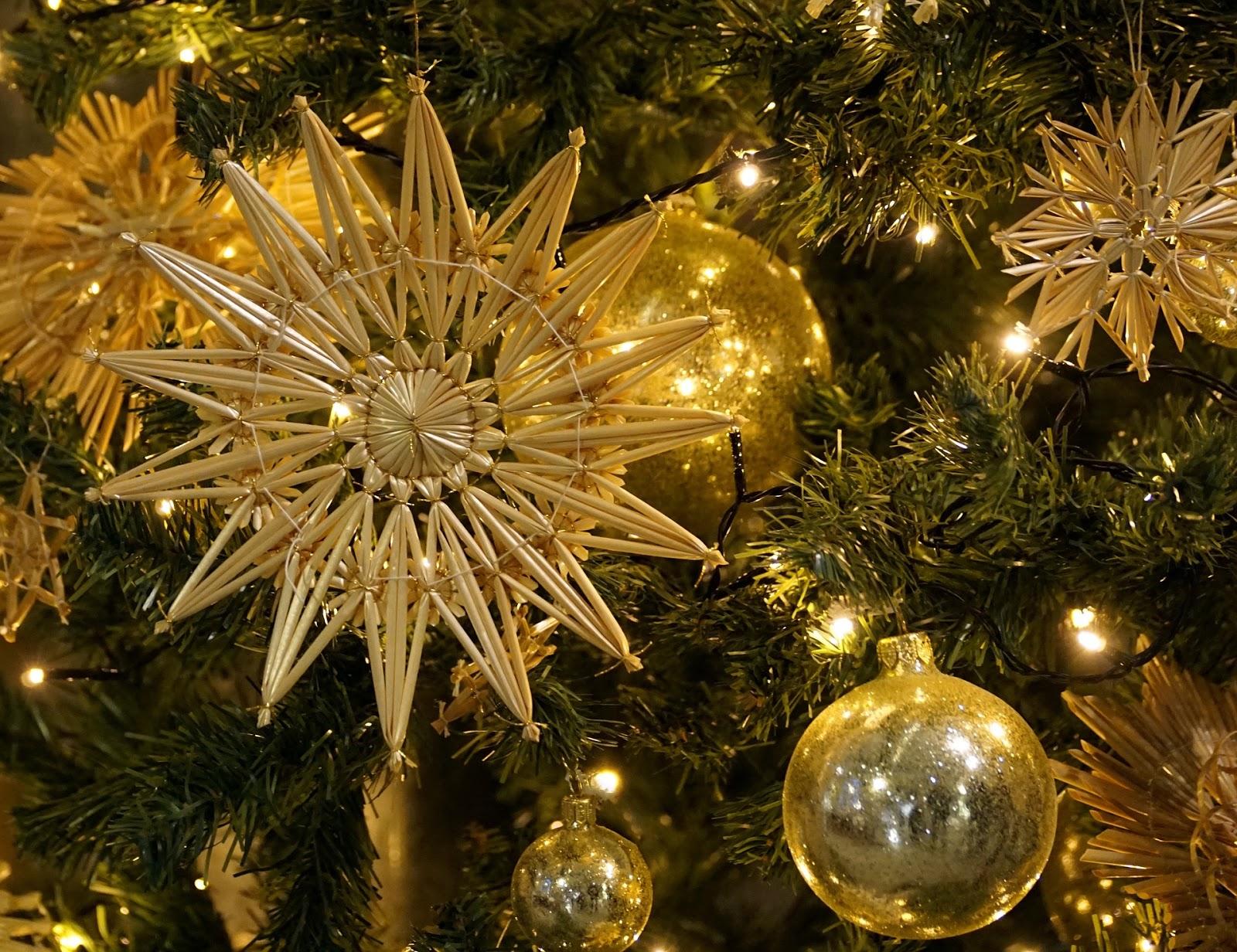 Künstlicher Weihnachtsbaum Outdoor.Künstlicher Weihnachtsbaum Mit Beleuchtung Test Die Besten