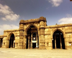 car rental ahmedabad