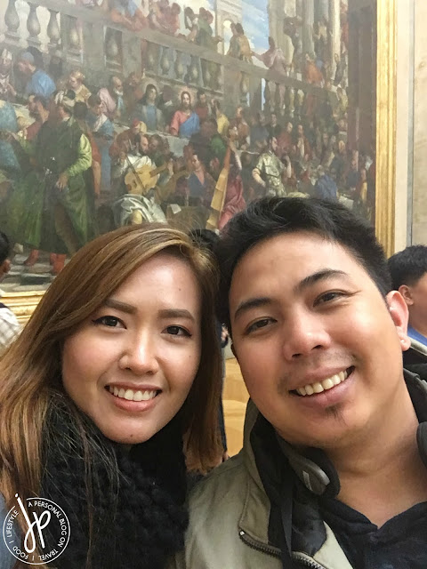 woman and man selfie, painting background