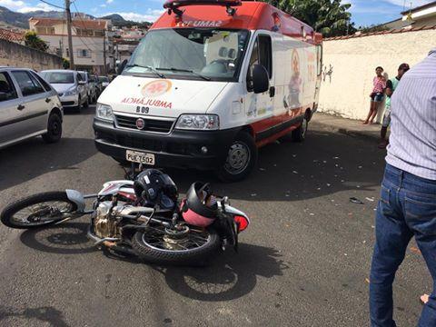 Veículo na contramão atinge motocicleta deixando mãe e filha feridas em Andradas, MG