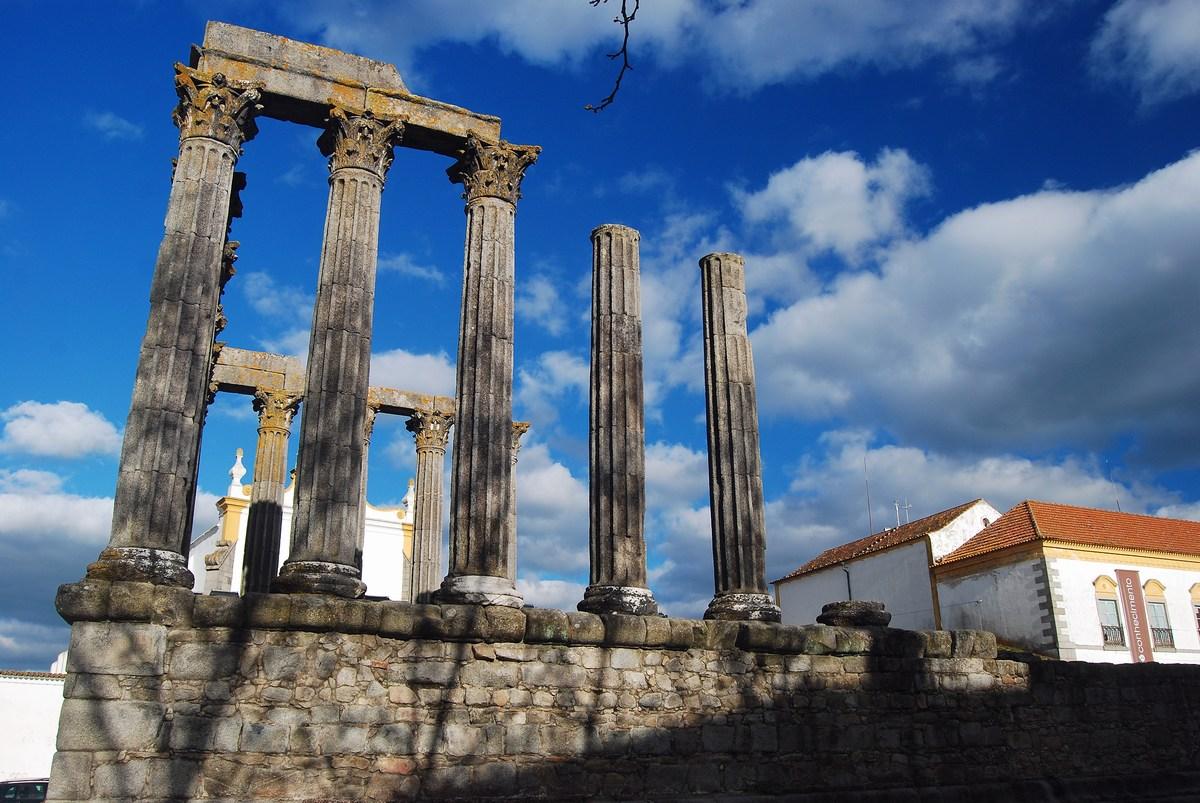 temple Romain d'Evora
