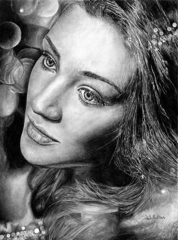 12-Tatiana-Zykina-Valerie-Kotliar-Celebrities-and-Unknown-Immortalised-in-Realistic-Drawings-www-designstack-co