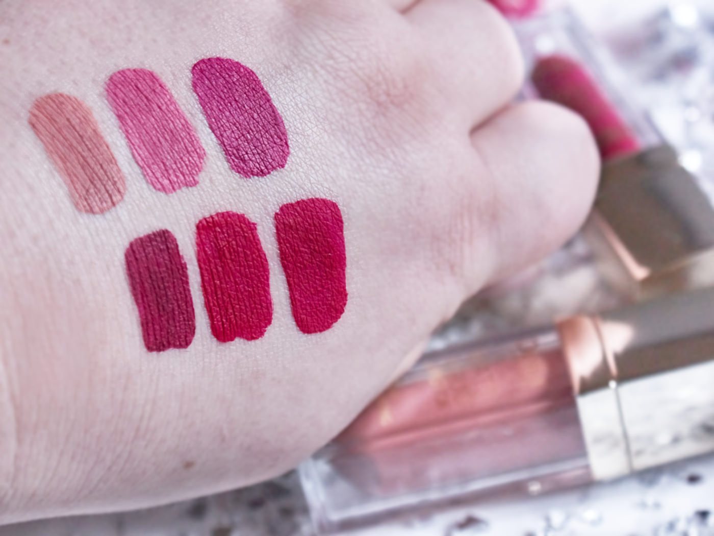nowe matowe pomadki delia cosmetics blog
