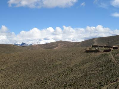 Auf dem Umweg hatten wir zumindest schöne Ausblicke auf die Schneeberge oberhalb von Esmoraca.