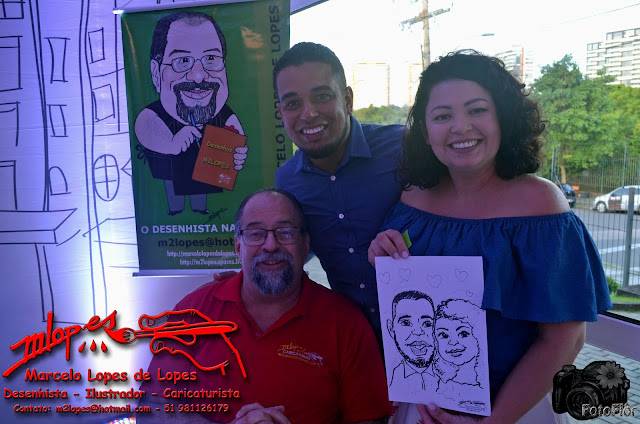 Show de caricaturas na festa com Marcelo Lopes de Lopes