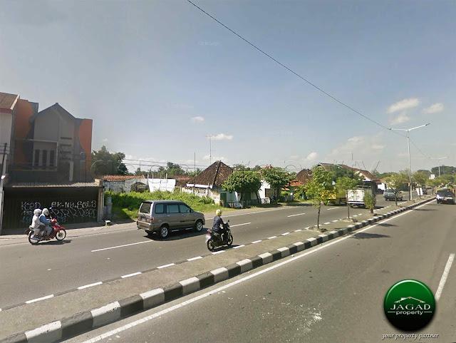 Tanah tepi jalan Jogja - Solo Km 23